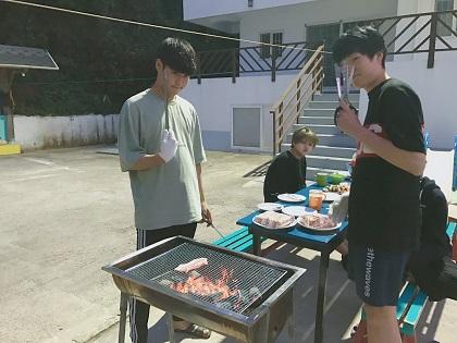 7. 고기파티 (1).JPG