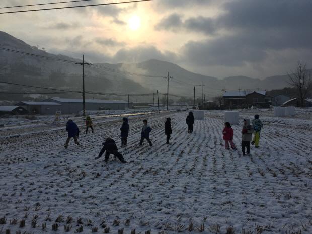 힘껏걷기_눈오는날02.JPG